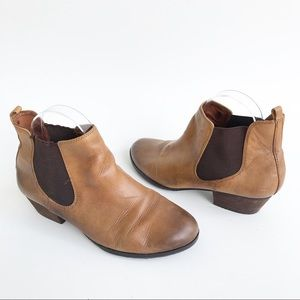 Vince Camuto Tan Leather Chelsea Boots